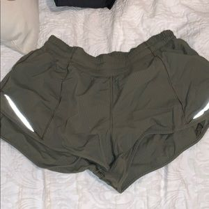 Army green hotty toddy lululemon shorts size 6